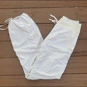Lululemon Cream Dance Pants 2 Lined Cinched 6